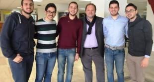 I 5 studenti vincitori del concorso insieme al Professor Pira.